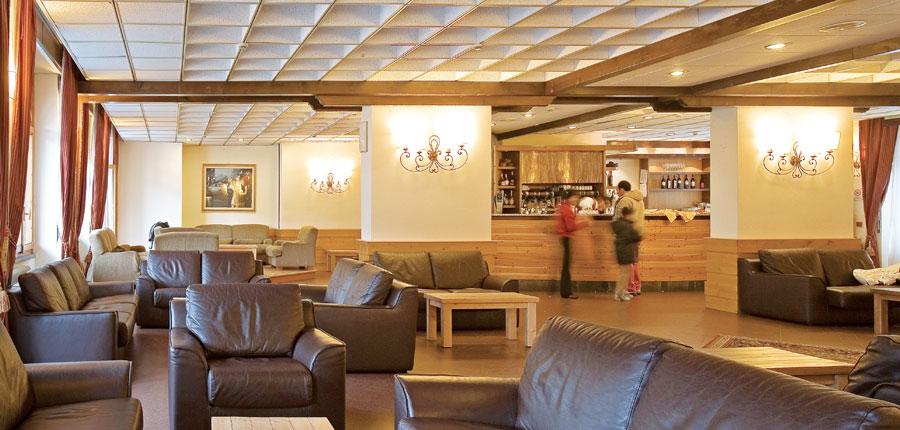 italy_la-thuile_planibel_hotel_bar.jpg
